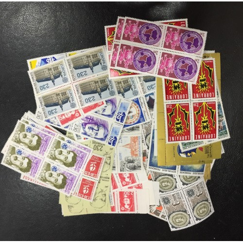 Lot de faciale 100 timbres à 9,20 Francs