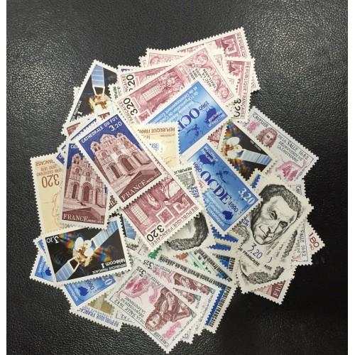 Lot de faciale 100 timbres à 3,20 Francs