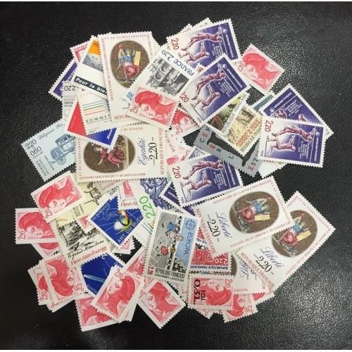 Lot de faciale 200 timbres à 2,20 Francs pour Affranchissement